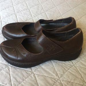 Dansko Brown Mary Jane Shoes Sz 39